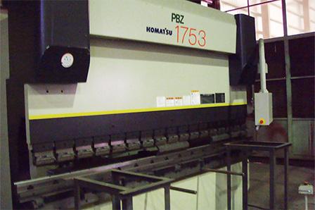 コマツPBZ1753